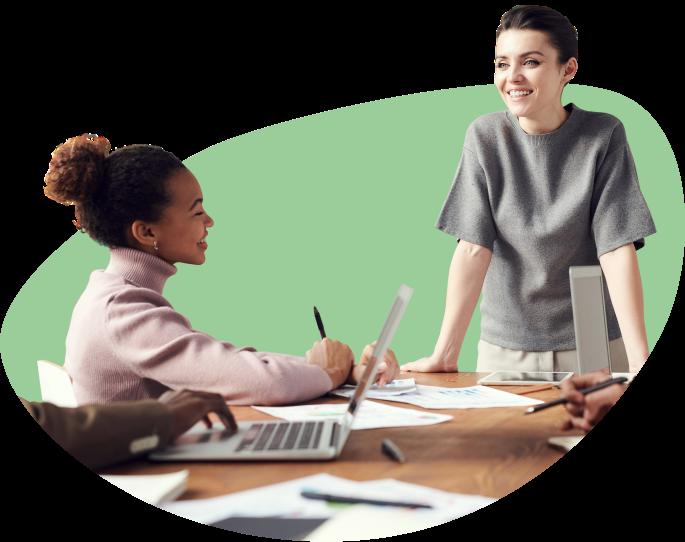 B2E-Services_hero_women-at-desk-green_02